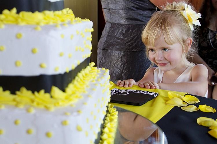 Gilbert AZ Wedding Photographer Summer Cake Details Kristen Carter Photography